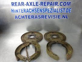 Ankerplatte links und rechts inkl. Bremsbacken Opel 1960er Jahre