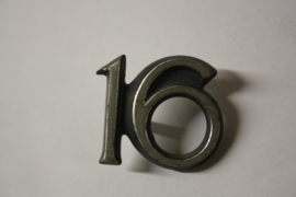 """Opel Ascona A embleem """"16"""", gebruikt."""