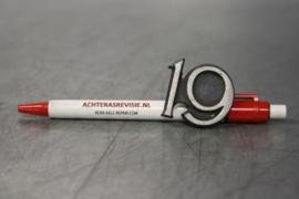"""Opel Ascona A embleem """"19"""", gebruikt."""