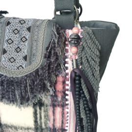 Tote handbag checkered in pink and grey fabric