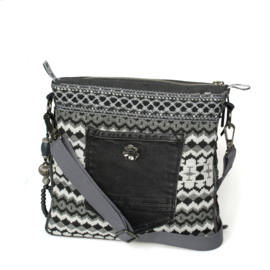 Crossbody in black and white with fringes