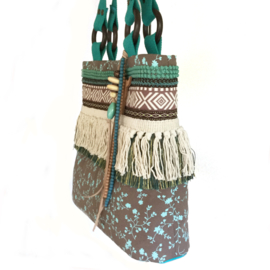 Tote handbag in brown and turquoise with fringe