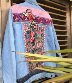 Embellished denim jacket flower power in pink