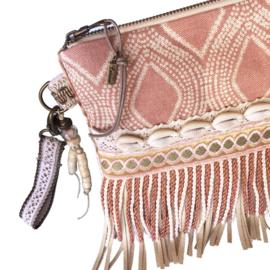 Clutch beach stijl met schelpen in oud roze stof