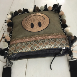 Crossbody canvas bag with smiley and pompons