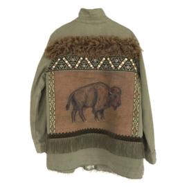 Versierd kaki groen jasje met bizon in western stijl