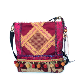 Hippie crossbody bag fuchsia bordeaux with pompons