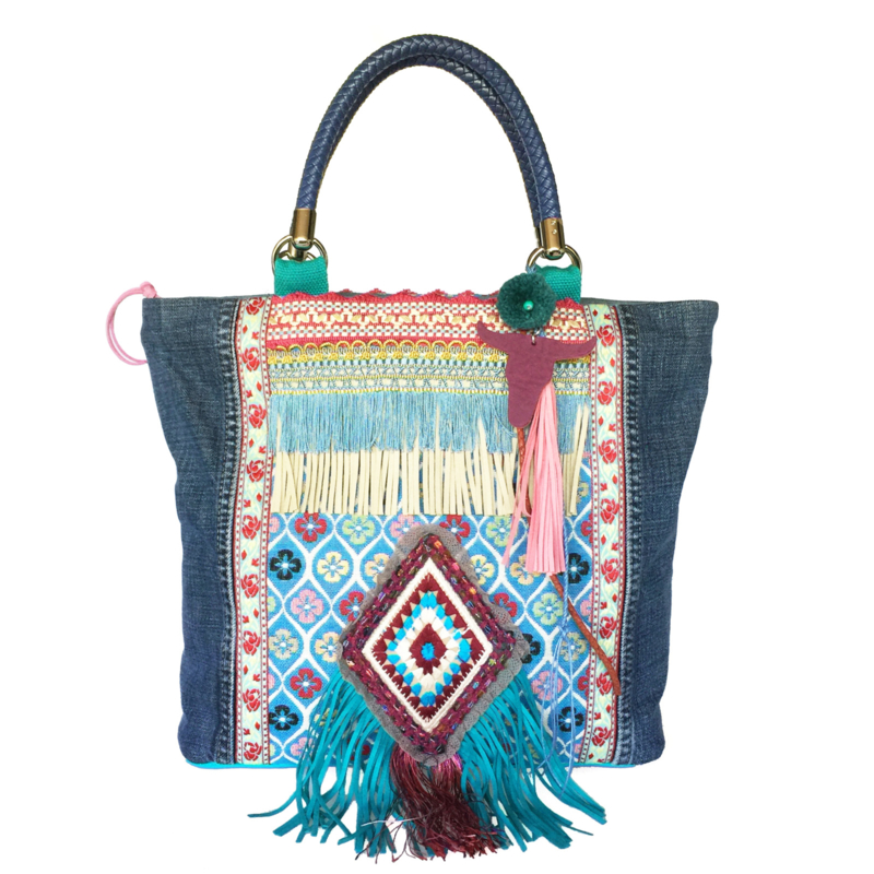 Tote handbag with fringe in colored Ibiza style