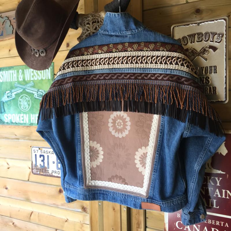 Versierd spijkerjasje boho western stijl franje Catena