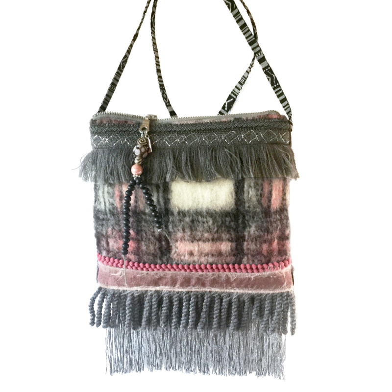 Checkered woolly festival bag pink grey