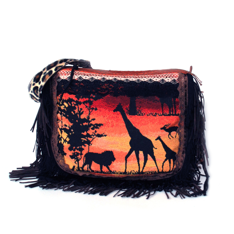 African crossbody bag with giraffes and fringes