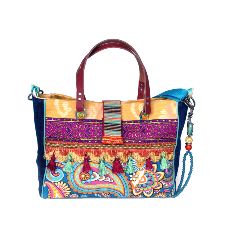 Ibiza handbag colored paisley print with tassels
