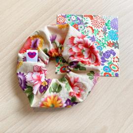 Bloemen scrunchie - bonte bloemenmix