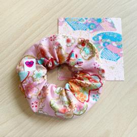 Bloemen scrunchie - lichtroze met sakura
