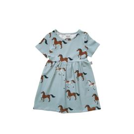 BASIC DRESS // HORSES