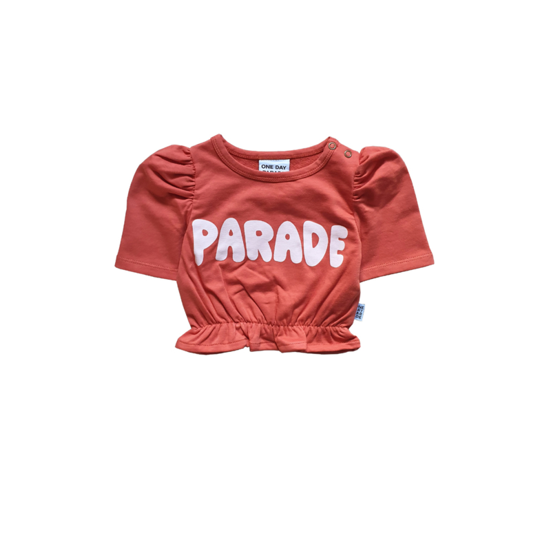 CROPPED TOP // PARADE