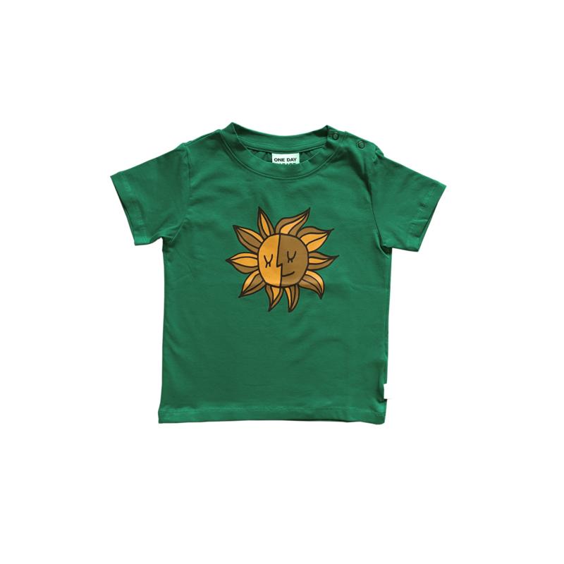 T - SHIRT //  GREEN SUN FP