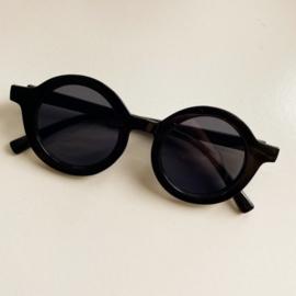 PRE ORDER || Zonnebril Petite Noé - All black