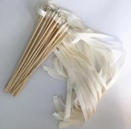 Wedding wands (stokje met belletje) wit