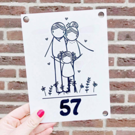 Huisnummerbord: familienaam en huisnummer