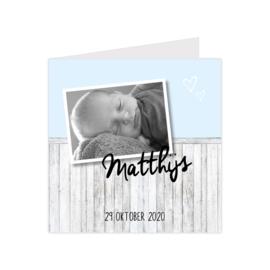 Geboortekaartje steigerhout met eigen foto blauw