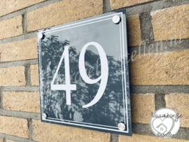 Huisnummerbordje met dubbele rand