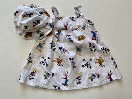 Katoenen jurkje wit met Disney figuurtjes en bijpassend zonnehoedje
