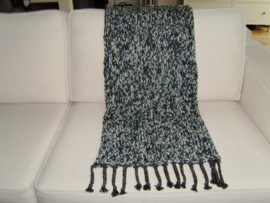 Gebreid woonplaid mintgroen ecru zwart gemêleerd met franjes 150x70 cm