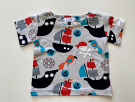 Tricot/stretch shirtje  grijs met scheepjes