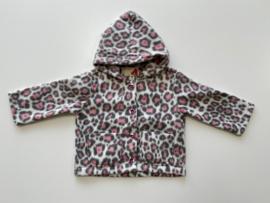 Fleece jasje ecru met roze grijze panterprint en capuchon