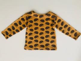 Tricot/stretch shirtje okergeel met grijze egeltjes