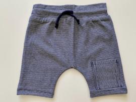 Tricot stretch kort broekje blauw gestreept