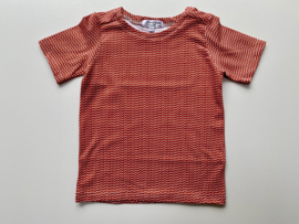 Tricot/stretch shirtje koraal met ecru driehoekjes