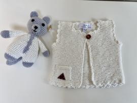 Newborn cadeauset vestje met knuffelbeertje