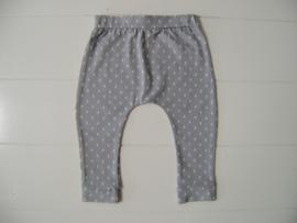 Tricot/stretch baby- peuterbroekje grijs met witte rechthoekjes