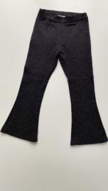 Flared broekje zwart witte drupjes