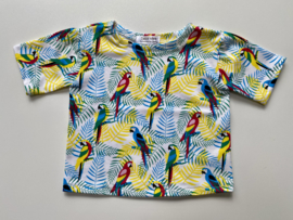 Tricot/stretch shirtje ecru met papegaaien en varens
