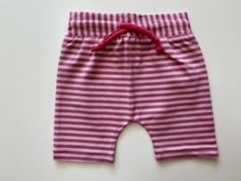 Tricot stretch kort broekje roze gestreept