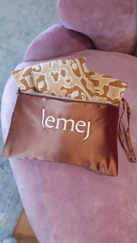 LEMEJ | Feeding Shawl | Pebble