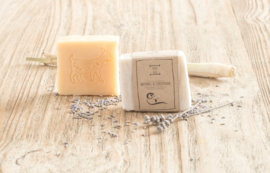 BLIJE GEIT - Geitenmelkzeep Lavendel/Citroengras/Honing