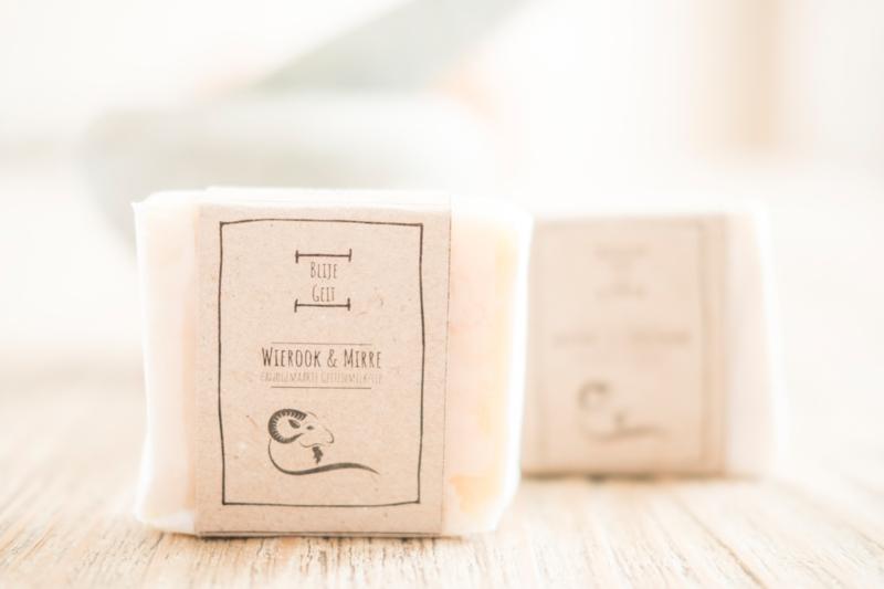 BLIJE GEIT - Geitenmelkzeep Wierook & Mirre, Clementine en kaneel.