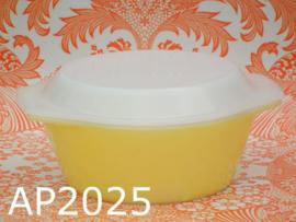 Arcopal ovenschaal + deksel 'Sixties' geel