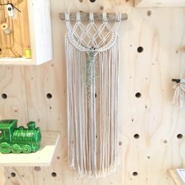 Uit eigen atelier • macramé wandhanger met airplant