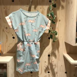Uit eigen atelier • jurk flamingo met gestreepte zakjes (1 t/m 6 jaar)