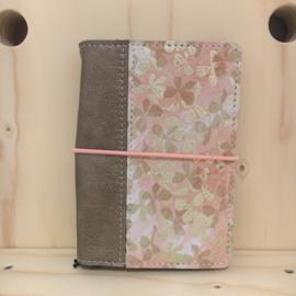 Saskia Thomson • leren notebook A6 (roze/goud)