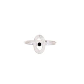 Muja Juma • ring maat 56 ovaal met zwarte agaat | zilver (4066)