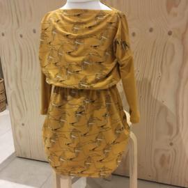 Uit eigen atelier • jurk met rechte hals (1 t/m 6 jaar)