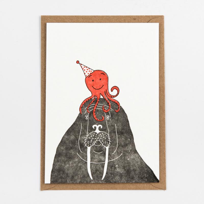 "Studio Flash • kaart ""walrus with octopus on it's head"""