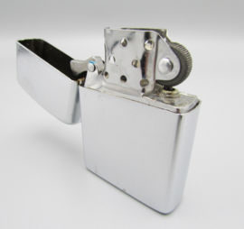 Earth - gasoline lighter - Silver color - brushed