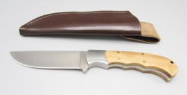 Hunting knife with olive wood handle, 2